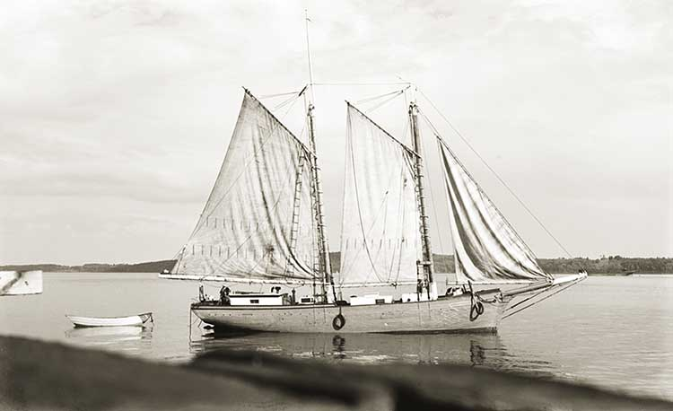 LILLIAN Becalmed