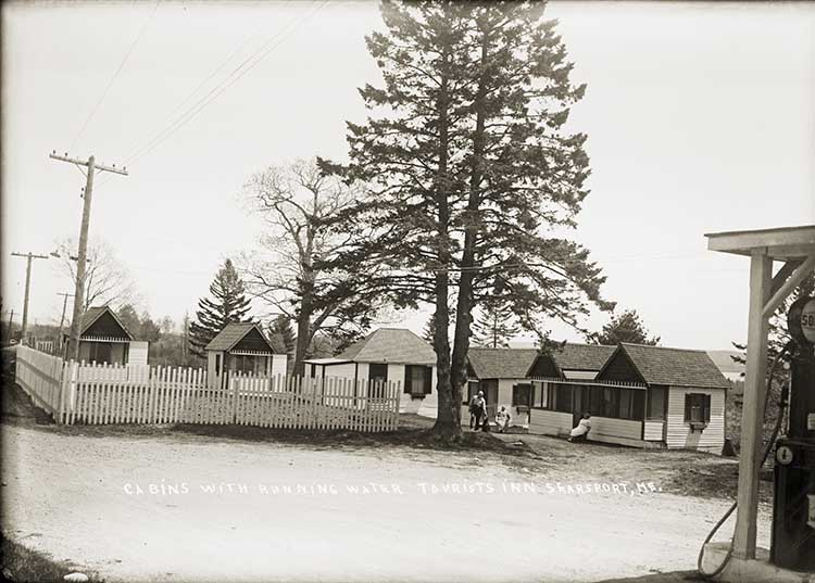 Cabins with Running Water, Tourists Inn, Searsport