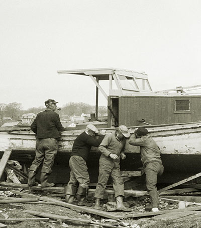 kids-cameras-and-post-war-waterfronts-exhibit