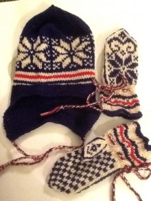 knitted-hat-and-mittens
